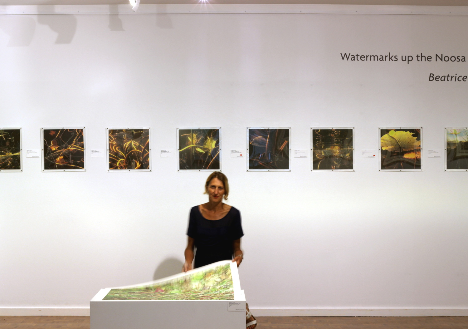 """Béatrice in front of """"What lies Beneath"""""""